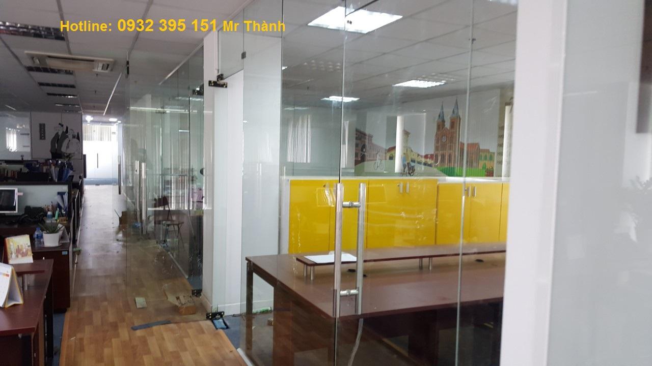 Vách kính văn phòng 12ly Thiên An Phát rẻ nhất hcm