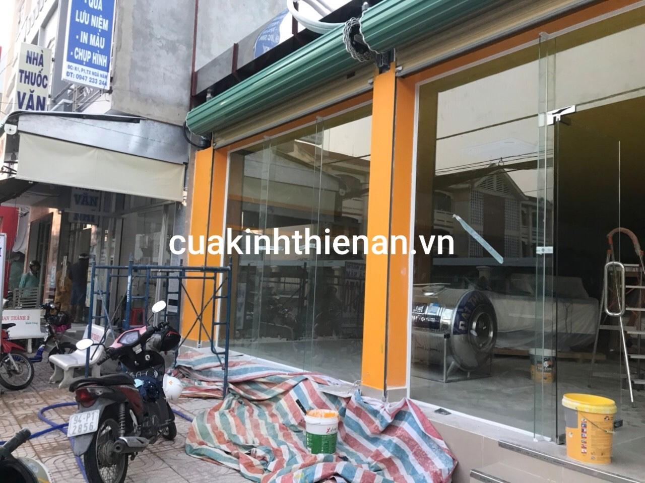 Vách kính hcm giá rẻ cường lực tại Thiên An Phát
