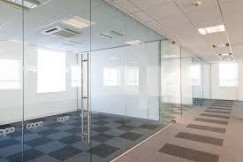 chuyên lắp đặt cửa kính văn phòng tại quận 1,quận 2,quận 3 tphcm