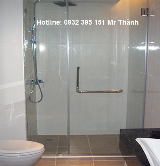 Có nên sử dụng vách tắm kính 10ly trong suốt trong phòng tắm?